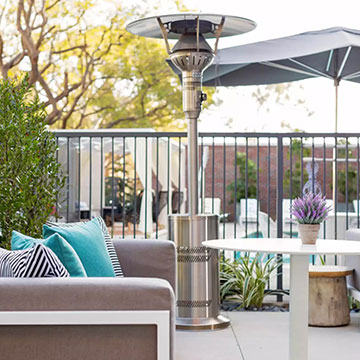 What outdoor amenities are available to guests at the Cambria Hotel LAX?